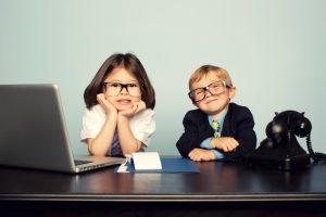 Los niños en la oficina