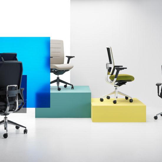 Descubre nuestras sillas de oficina en bilbao muy ergon micas for Sillas para trabajo