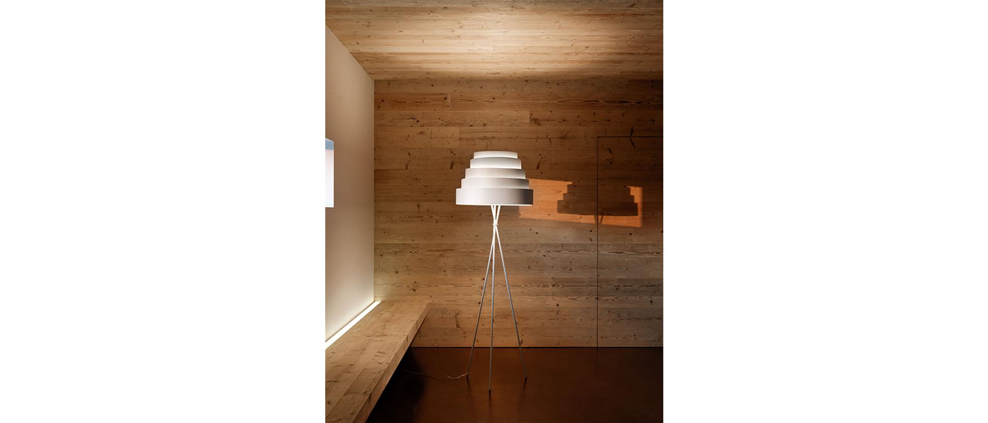 0220 - LAMPARA DE PIE  OFICINA DISE•O